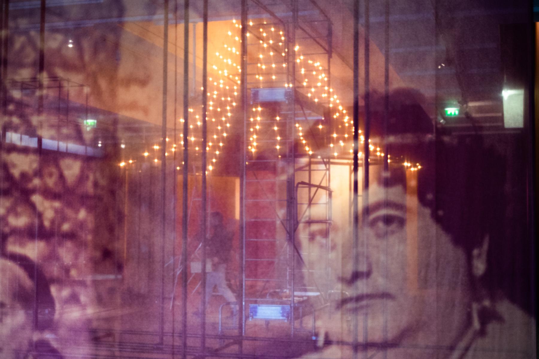 Montage de l'expo Fellini Picasso
